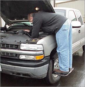 Tire step for trucks