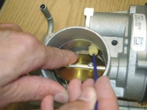 clean electronic throttle body with swab