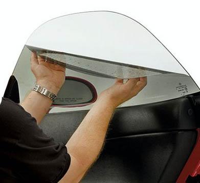 applying car window tinting film