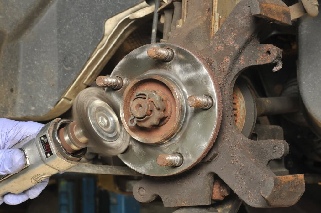clean wheel hub